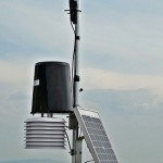 Stazione meteo installata nel vigneto della Tenuta Cabutto